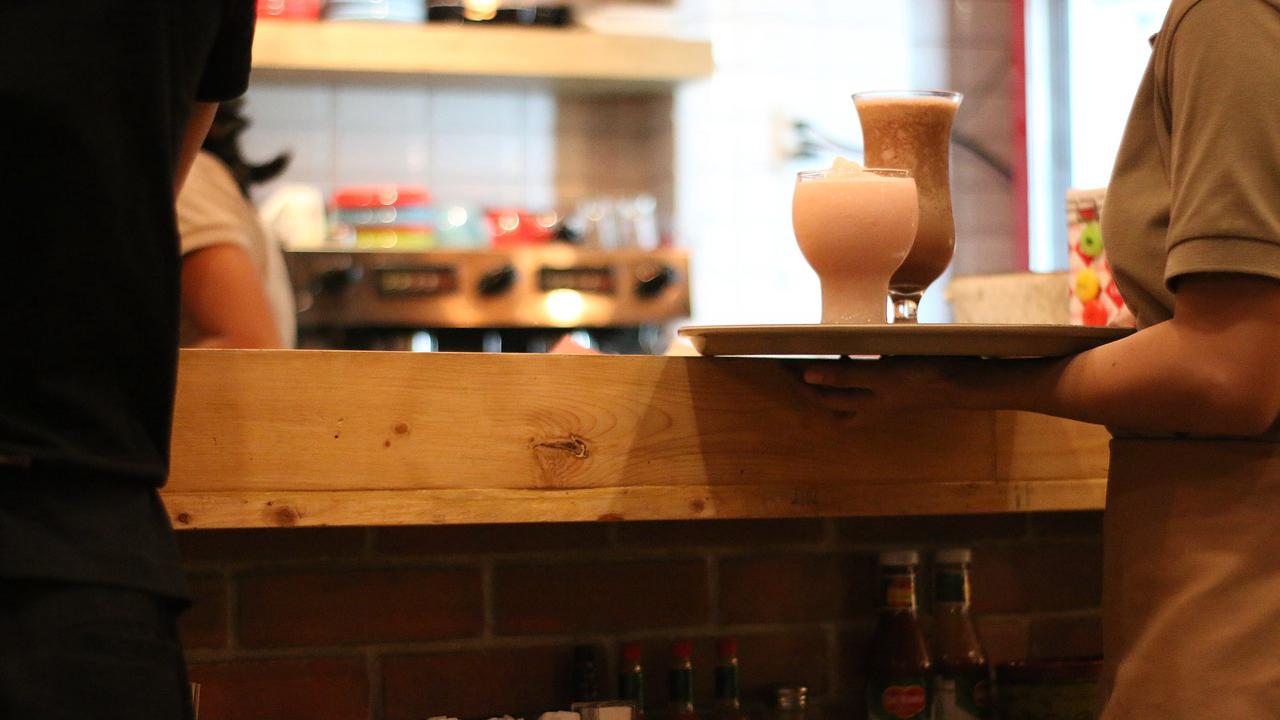 case04 ありきたりなカフェが女性を元気にするオアシスに【カフェのコンサル】1